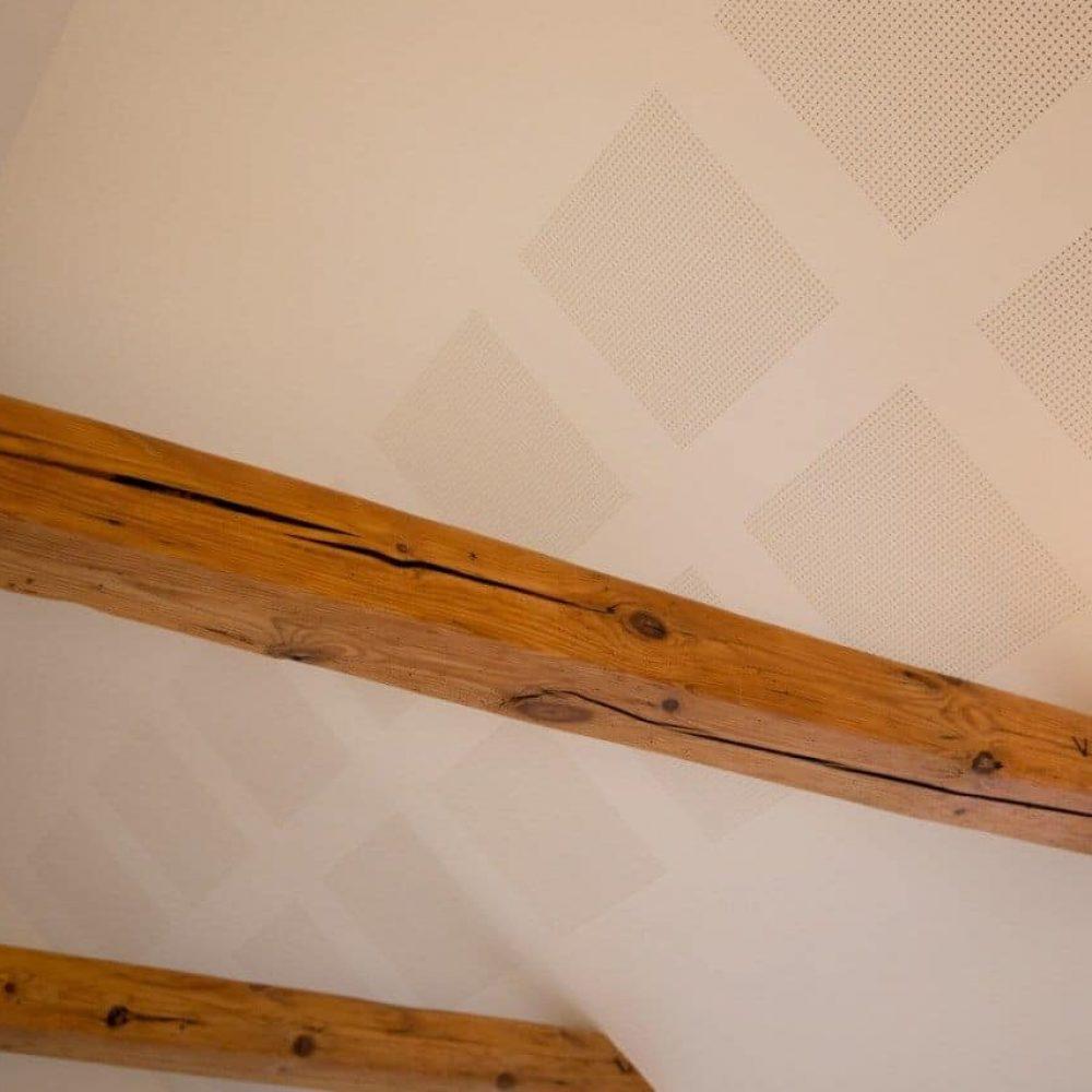 Renovering med akustikplader i Faaborg